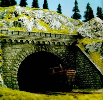 Double Track Tunnel Portal with Stone Walls (2)