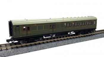 Maunsell SR Brake 3rd Class Coach Lined Green 3214