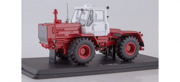 T-150K Tractor Green/Red