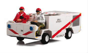 US Navy MD3 Fire Fighting Vehicle with Team (1:72)