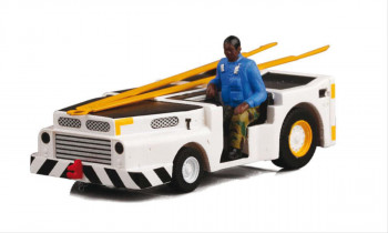US Navy MD3 Track Tractor with Driver (1:72)