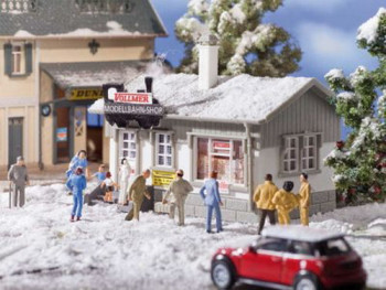 Model Railway Shop with Snow Kit